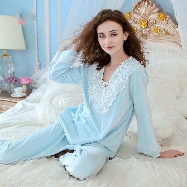 long sleeved WoMen's home wear warm flannel pajamas set  in winter